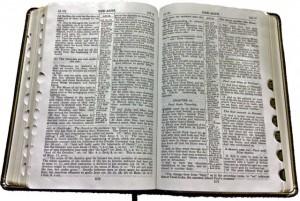 Bible Open 640pix